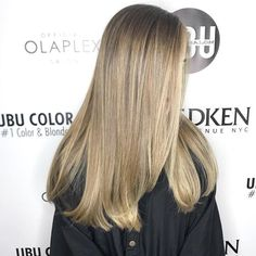 Lovely Natural tone Blonde Balayage by @pennymagdziak ☀️📞 Call to book a free consultation 813.801.9700 using @olaplex in @magiclightener  #blondebalayage #women #balayage #ombrehair #hair #haircut #olaplex #olaplexlove  #babe  #tampahair #naturalhair #blonde #blondegirl  #hairofinstagram #platinumblonde  #behindthechair #babe #selfie  #highlights  #summerhair  #americansalon  #southtampa #platinum #platinumhair #redken #handpainted #southtampa #colorcorrection #blondes #blondesdoitbetter…