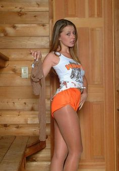 Hot Hooters girl