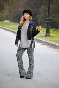 Black Beret. Knit flare pants. Casual chic fall/winter outfit. Trendencies
