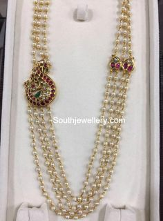 bridal sets & bridesmaid jewelry sets – a complete bridal look Pearl Necklace Designs, Pearl Jewelry, Indian Jewelry, Beaded Jewelry, Bold Necklace, Necklace Ideas, Ethnic Jewelry, Fancy Jewellery, Gold Jewellery Design