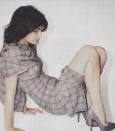 Love a plaid dress.  #Grey #grigio