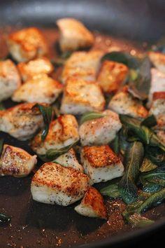 Csirkefalatkák zsályás ízesítéssel – ínyenc finomság könnyedén, ezzel bárkit elkápráztathatsz…
