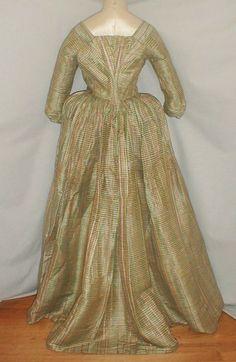 1780's Robe A La Anglaise PLAID