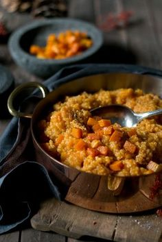 Quinoa and pumpkin risotto. An old favorite dish with a new look Quinoa and pumpkin risotto. An old favorite dish with a new look Fall Dinner Recipes, Summer Recipes, Fall Recipes, Healthy Dinner Recipes, Healthy Snacks, Breakfast Recipes, Healthy Sandwiches, Sandwiches For Lunch, Buddha Bowl Vegan