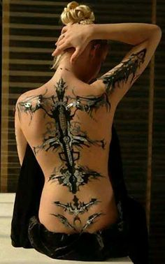 Awesome 3-D tattoo!