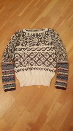 Så fornøyd med min Rings & roses genser.