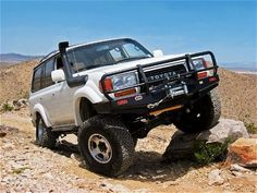 Google Image Result for http://www.columbiaoverland.com/sites/default/files/imagecache/product_full/product-images/0708or_01_z1994_toyota_land_cruiserfront_view.jpg