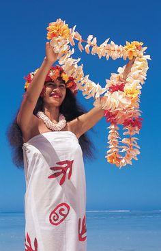 Travel Snapshot: Tahiti | Wedding Planning, Ideas & Etiquette | Bridal Guide Magazine