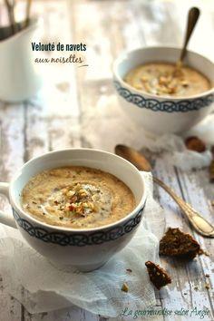 recette de soupe - velouté de navets aux noisettes & maca #vegan  http://www.la-gourmandise-selon-angie.com/archives/2015/01/15/30942762.html