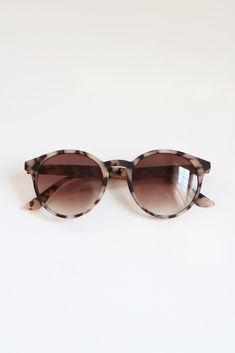 Rare Birds, Retro Sunglasses, Bird Design, Sunglass Frames, Tortoise Shell, Polarized Sunglasses, Vintage Fashion, Women's Fashion, Fashion Accessories