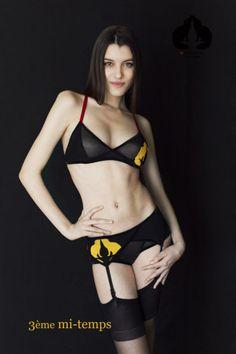lingerie Photographie : Streetglams.com . Modèle : Sharon Boucquez . Make-up artist : Magdalena Stankowska Impressions : Ahaha #lingerie #reddevils #worldcup #Belgique #MarieVanGils