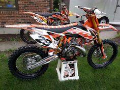 Lets see the KTM 2 strokes! Ktm Dirt Bikes, Cool Dirt Bikes, Dirt Bike Gear, Mx Bikes, Dirt Biking, Motocross, Motorcross Bike, Triumph Motorcycles, Custom Motorcycles