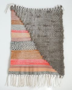 Freaking love New Friends textiles. Weaving Textiles, Weaving Art, Loom Weaving, Hand Weaving, Tapestry Weaving, Textile Patterns, Textile Design, Weaving Projects, Woven Wall Hanging