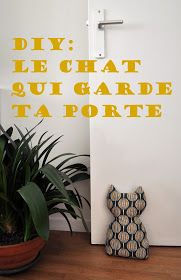Funky Sunday: Do It Yourself: Le cale-porte chat Porte Diy, Fused Plastic, Sewing Room Storage, Sewing Crafts, Diy Crafts, Sewing Machine Accessories, Sewing Patterns Girls, Sewing Box, Free Sewing