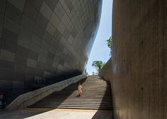 Zaha Hadid's Dongdaemun Design Plaza