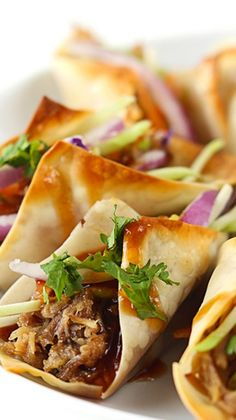 Hawaiian Pork Wonton Tacos Recipe ~ Sweet n' saucy slow cooked Hawaiian Bbq pork wrapped in wonton wrappers and baked til crispy! All topped with the most amazing sauce! Perfect for a main dish or a party appetizer! Pork Recipes, Crockpot Recipes, Cooking Recipes, Cooking Tips, Think Food, I Love Food, Bbq Pork, Pulled Pork, Pork Tacos