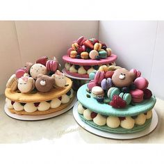 Macarons cake with berries, unicorn and bears mac by OMG its so beautiful and I am fan! Macarons cake with berries, unicorn and bears mac by OMG its so beautiful and I am fan! Macaroon Cake, Macaron Cookies, Macaroons, Cake Cookies, Cupcake Cakes, Fancy Desserts, Delicious Desserts, Dessert Recipes, Biscuit Cake