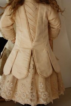 GORGEOUS-HAUTE-COUTURE-DOLL-DRESS-AND-HAT-FOR-AT-JUMEAU-BRU-STEINER-ETC