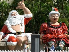Christmas Hawaiian style. ...this is downtown Honolulu during the Christmas season....went there while I lived there...pretty amazing!