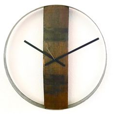 Einzigartige Wanduhr hergestellt aus einer Fassdaube und Stahlreif vom Weinfass. Jedes unserer Werke ist ein Unikat. Clock, Wine, Home Decor, Unique Wall Clocks, Rustic, Interior Design, Interior, Decorations, Nice Asses
