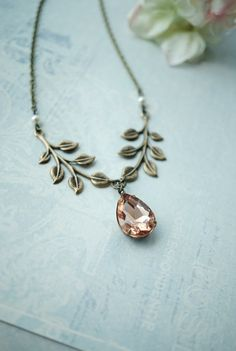 Beautiful leaf inspired necklace