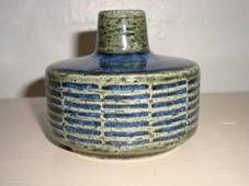 PALSHUS vase - Annelise and Per Linnemann-Schmidt - made in chamotte. H: 7 cm D: 8,5 cm. From 1950s.  #Palshus #Linnemann #Schmidt #chamotte #stoneware #ceramics #Danish #vase