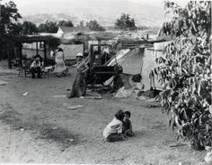 When shelters were provided for migrant farm workers, they were usually spartan… Dorothea Lange Photography, Esperanza Rising, Oakland Museum, Migrant Worker, Dust Bowl, Great Depression, Mexican American, Vintage Farm, How To Memorize Things