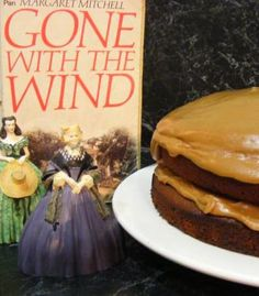 Peachtree Street Gingerbread Cake with Aunt Pittypat's Caramel Icing recipe (caramel icing recipe) Bonbon Caramel, Caramel Icing, Southern Recipes, Southern Food, Southern Belle, Southern Charm, Cupcake Recipes, Cupcake Cakes, Cupcakes