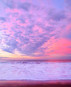 purple clouds pink sky over beach… Beautiful Sky, Beautiful World, Beautiful Places, Pretty Sky, Pretty Pastel, Pink Sunset, Pink Sky, Pink Beach, Pink Purple