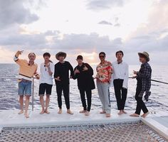 Find images and videos about kpop, bts and korean on We Heart It - the app to get lost in what you love. Bts Group Photos, Group Pictures, Bts Pictures, Jimin, Bts Bangtan Boy, Bts Boys, Bts Hawaii, K Pop, J Hope Twitter