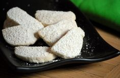 Just tried Girl Scout Savannah Smiles cookies...yummo! Found out that they are a remake of GS's discontinued Lemon Coolers. This is a copycat Lemon Coolers recipe that I'd like to try.