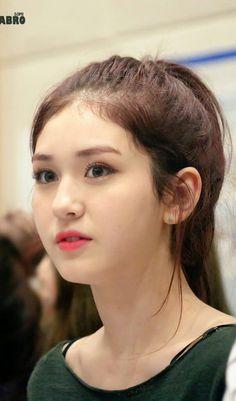Jeon Somi, Korean Eye Makeup, Beauty Around The World, Queen, Korean Singer, Kpop Girls, Korean Girl, Actresses, Celebrities