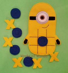 This felt game is made to order in pet friendly home, and will bring you hours of fun. Diy Crafts For Kids, Crafts To Sell, Gifts For Kids, Educational Games For Kids, Summer Activities For Kids, Tic Tac Toe Game, Felt Quiet Books, Minion Party, Felt Toys