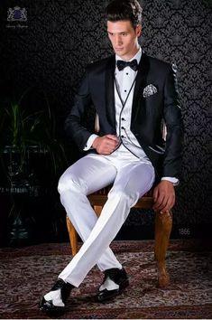 Esmoquin negro italiano con solapa chal combinado con blanco Completi  Bianchi 57b5a7102e8