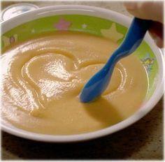 La pappa di prosciutto cotto e zucchina è perfetta come ricetta per lo svezzamento del bebè. Nutriente, gustosa, delicata e digeribile, è adatta a neonati dai sei mesi in avanti.