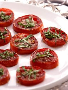 Get Balsamic Roasted Tomatoes Recipe from Food Network Food Network Recipes, Cooking Recipes, Healthy Recipes, Fast Recipes, Delicious Recipes, Good Food, Yummy Food, Tasty, Roasted Tomatoes