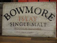 Bowmore Whiskyschild aus Künstlerhand  Handgefertigte Whisky Schilder exklusiv von alleswhisky.de  Ein Schmuckstück für jeden Whisk(e)y-Fan oder Liebhaber hochwertiger Wohn-Accessoires.  Jedes Holzschild ist ein hochwertiges, exklusives Unikat.