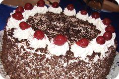 Feketeerdő torta recept képpel. A recept hozzávalói és elkészítése részletes leírással és fotóval. A feketeerdő torta elkészíétse: A tojásokat szétválasztjuk és a t... Tiramisu, Cookie Recipes, Cookies, Baking, Cake, Ethnic Recipes, Food, Black Forest, Hungary