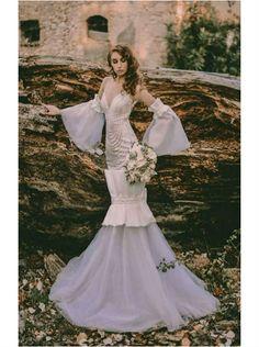 Απολαύστε την συλλογή UNIQUE ΝΥΦΙΚΑ by Designer Lewaa. Ζήστε την μοναδική εμπειρία της υψηλής ραπτικής την πιο σημαντική μέρα της ζωής σας. #Νυφικά #AtelierTsourani #DesignerLewaa #ΜοναδικάΝυφικά #ΧειροποίηταΝυφικά #ΜοντέρναΝυφικά #WeddingDress Victorian, Dresses, Design, Fashion, Atelier, Moda, Vestidos, Fashion Styles