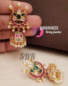 Bridal Henna, Jewelry Boards, Emerald Stone, Party Wear Dresses, Traditional Looks, Gold Jewelry, Jewellery, Gold Material, How Beautiful