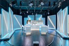 Studio design of the Belgian TV channel TV Lux. Tv Set Design, Booth Design, Studio Tv, Studio Design, Virtual Studio, Computer Shop, Tv Station, Tv Decor, Solar Panels