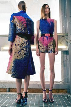 Vionnet | Resort 2015 | 29 Blue/pink sleeveless cropped top and belted shorts