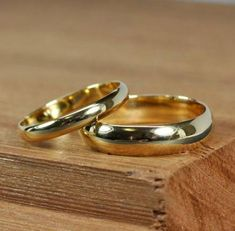 Items similar to Yellow Gold Wedding Band Set, Half Round Classic Style and Rings, Recycled Gold, Handmade Wedding Jewelry, The Forgery Jewelers on Etsy Wedding Ring Sets Unique, Wedding Ring Styles, Wedding Band Sets, Trendy Wedding, Handmade Wedding Jewellery, Gold Wedding Jewelry, Gold Jewelry, Jewelry Rings, Ring Verlobung