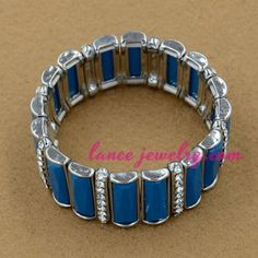 Fashion alloy bangle with blue color acrylic beads
