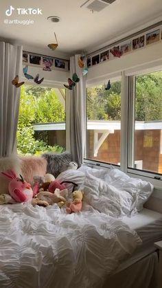 Indie Bedroom, Indie Room Decor, Cute Room Decor, Study Room Decor, Room Design Bedroom, Room Ideas Bedroom, Bedroom Decor, Bedroom Inspo, Chambre Indie