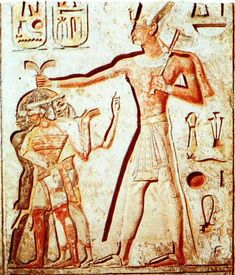 Giants in ancient Egypt. Clearly a good indicator of who built the pyramids.