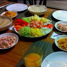 Housewarming! This is Vietnamese fresh spring rolls! yammy yammy^^