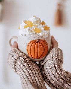 Autumn Cozy, Autumn Aesthetic, Autumn Photography, Fall Wallpaper, Happy Fall Y'all, Fall Pictures, Autumn Inspiration, Hello Autumn, Fall Home Decor