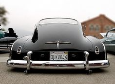 1950 chevy 4 door, note the little open windwing on the right side only can be a 4 door