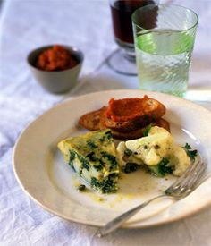 A recipe for Kale and Potato Spanish Tortilla with 6 ingredients, including 7 large eggs, 1 pound kale, and 1 teaspoons salt How To Cook Kale, How To Cook Potatoes, Kale Recipes, Brunch Recipes, Recipies, Spanish Tortilla Recipe, Spanish Recipes, Spanish Food, Kale And Spinach